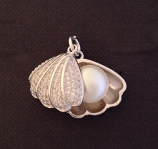 Micropave Clam Shell with Pearl Pendant Charm